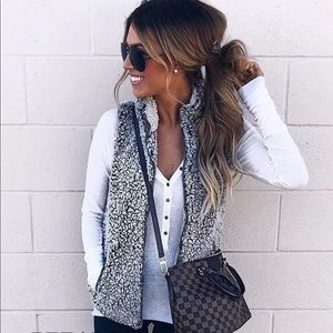 Sherpa fur zip down women Smokey gray vest